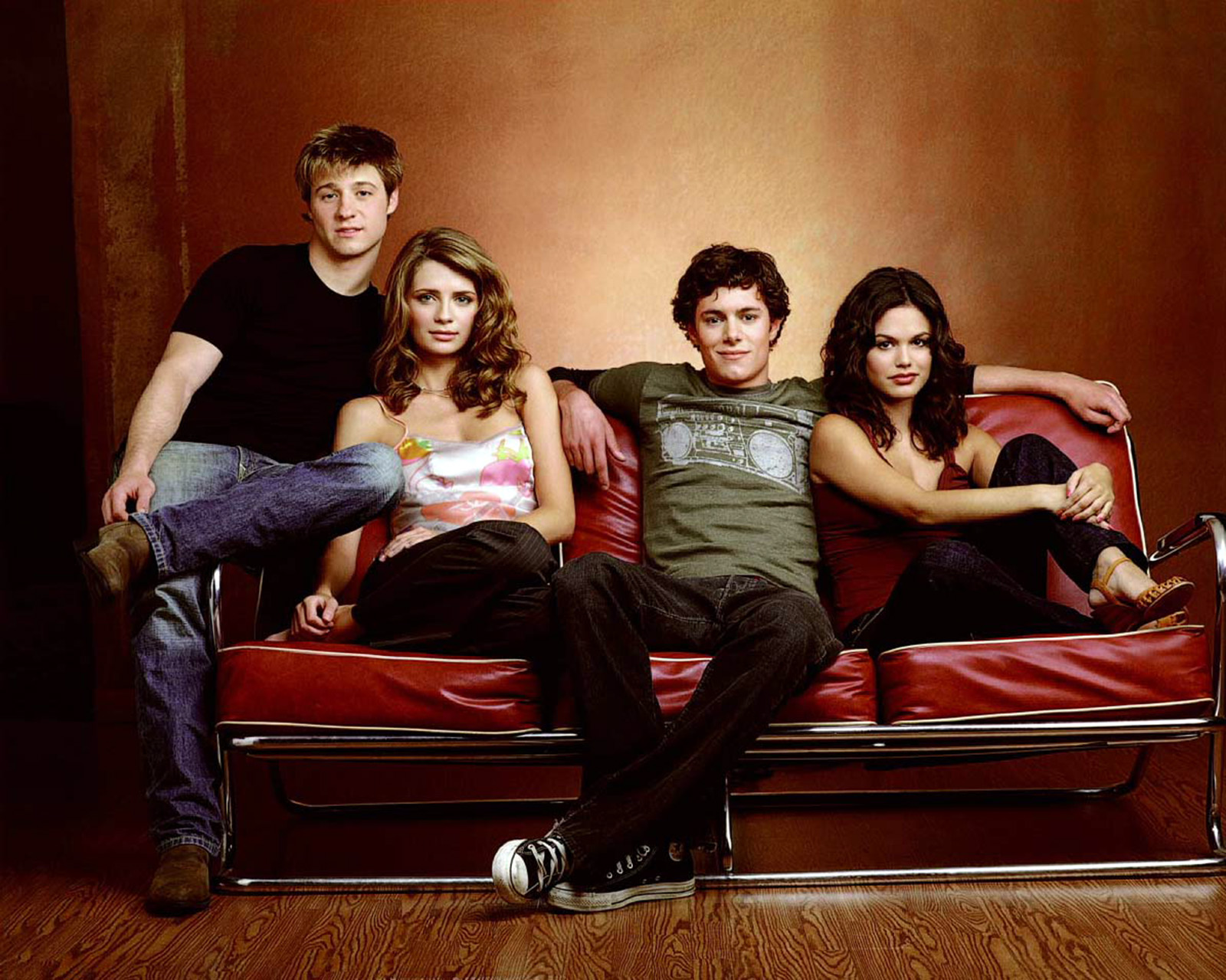 The O.C. TV series starring Peter Gallagher, Kelly Rowan, Ben McKenzie, Adam Brody, Rachel Bilson, Melinda Clarke, Mischa Barton, Tate Donovan, Alan Dale, Autumn Reeser, Chris Carmack, Willa Holland, Samaire Armstrong and Olivia Wilde [dvdbash]